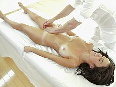 Masseur takes command of her beautiful body