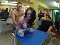 Girl lose her bet and gets fucked in public