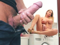 Brooklyn Chase plays with her pussy on the washing machine