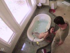 Stepsister Gives Stepbro Bathtub BJ