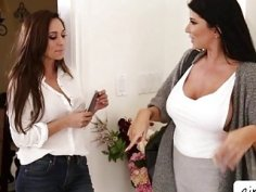 Reena Sky scissoring with hot Romi Rain